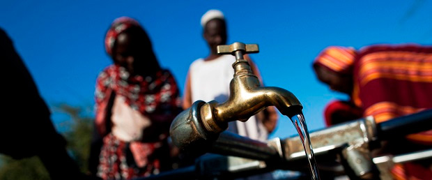 На сегодняшний день более 663 миллионов человек не имеют источников питьевой воды вблизи мест проживания (Фото: Альберт Гонсалес Фарран, www.un.org)